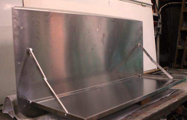 שולחן דלת אחורית טויוטה לנד קרוזר 1