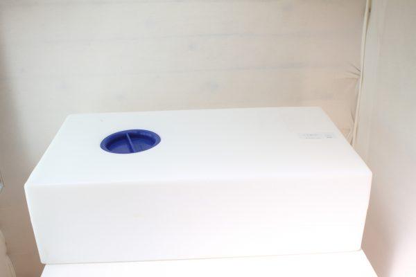 מיכל מים פלסטיק 54 ליטר .  (4)